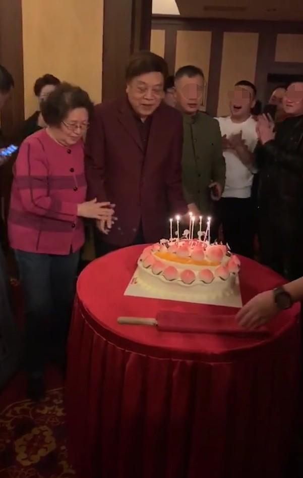 赵忠祥孙子正脸曝光 颜值有点惊艳了(图)