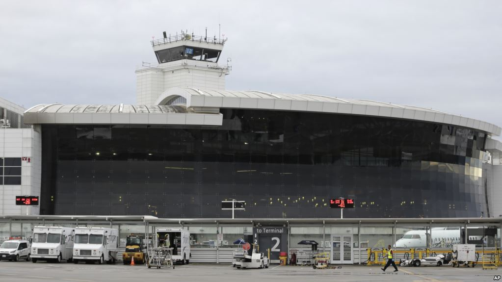 美国西雅图塔科马国际机场。前美国国防情报局雇员罗恩·罗克韦尔·汉森2018年在这里转机前往中国时被逮捕