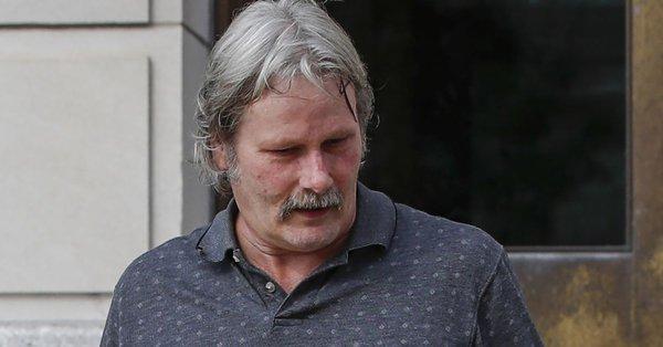 章莹颖案|嫌犯父亲出庭作证多次哭泣:无法想象儿子被处死