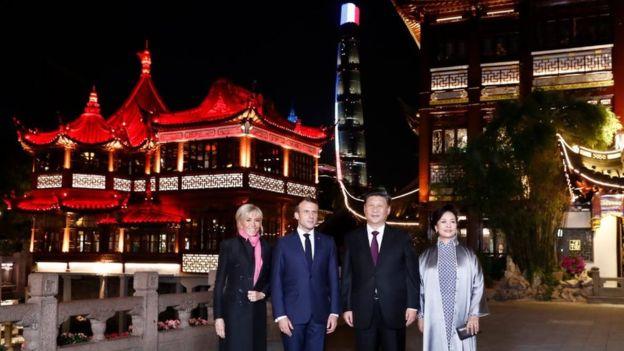 中國國家主席習近平和法國總統馬克龍參觀上海豫園