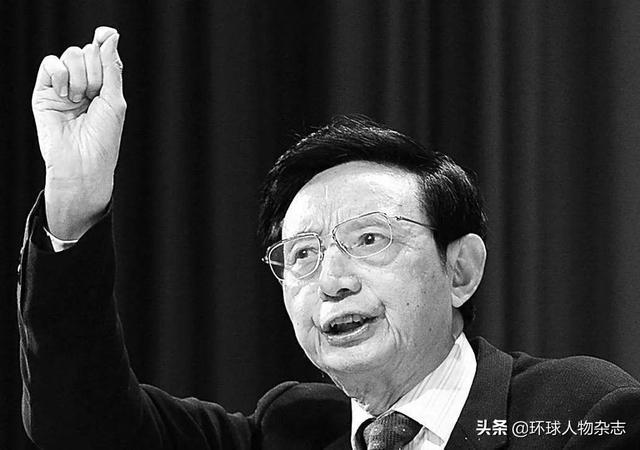 """從勞改犯逆襲成重慶首富,一朝""""造車夢""""碎陷入晚年危機,但這個大佬不需要同情"""