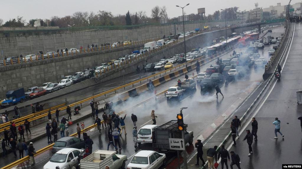 平息抗议活动 政府决定关闭全国互联网