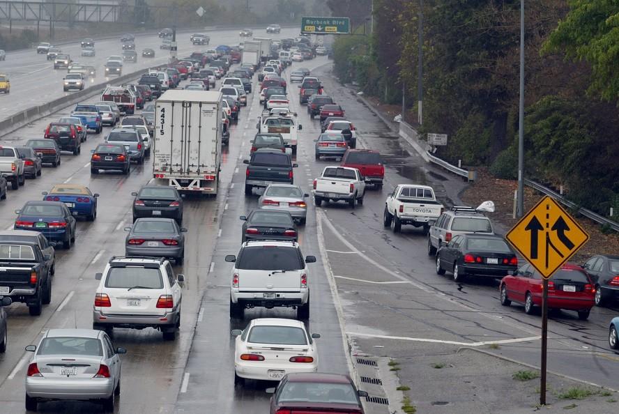洛杉磯的這兩條高速交匯處 每天都會發生一起事故_圖1-1