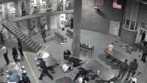 超越戰鬥民族!監獄為調解不合舉辦「足球賽」竟踢死17條人命!比賽一半掏出長槍...