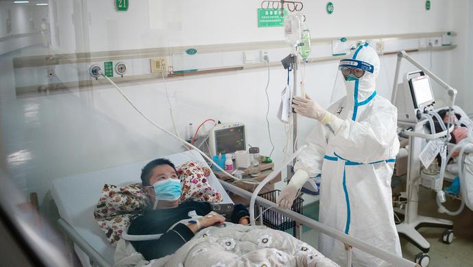 肺炎疫情一线记者:踏进隔离病区那一刻 我脚软了(图)