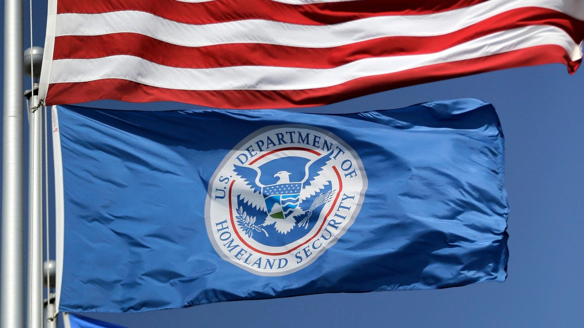 美国进一步收紧入境政策 要求申报是否曾到中国