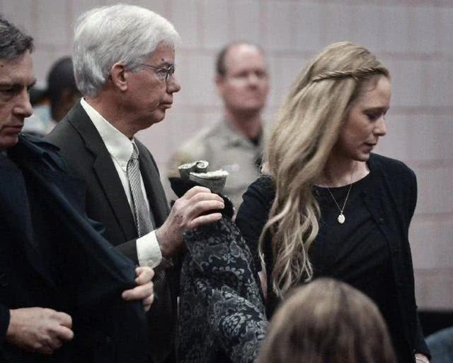 因不满女儿受女婿虐待,70岁前FBI特工将其杀害