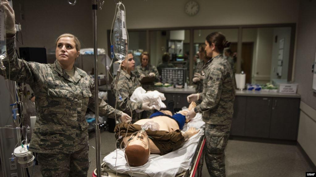 美國空軍人員進行醫療培訓(美國空軍2020年2月9日照片)