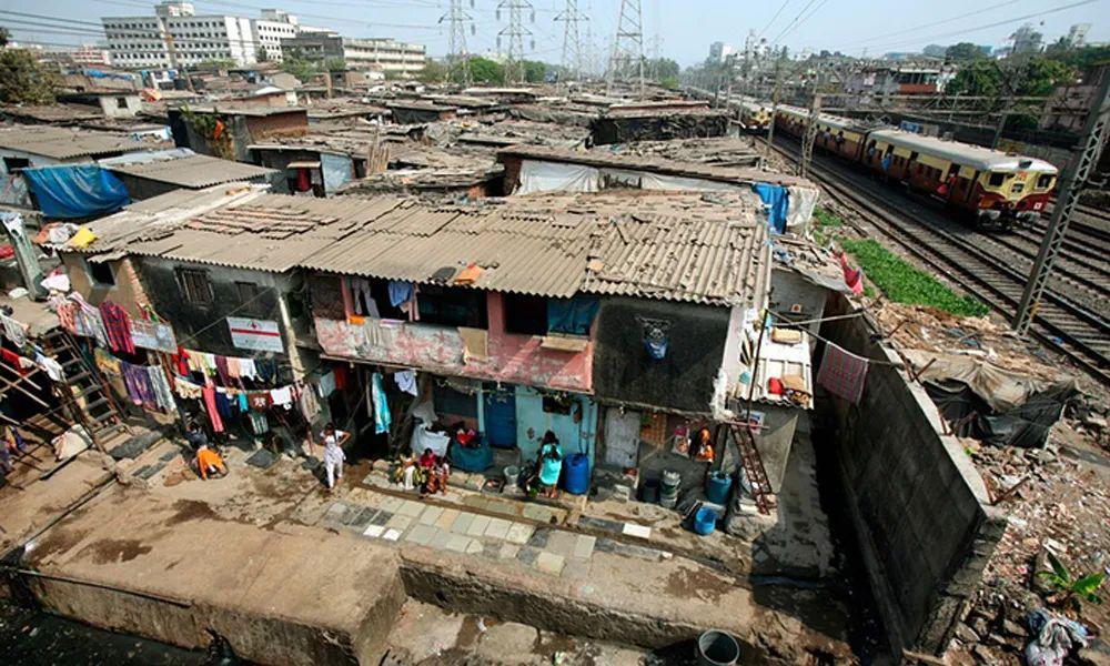 印度:1440人用一个没水的厕所,怎么防传染?