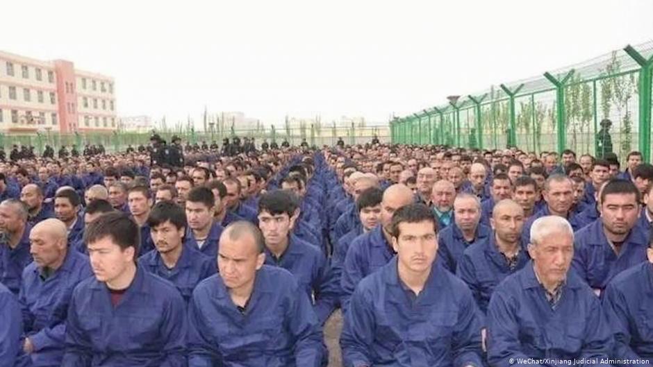组合拳!美国通过新疆人权法 制裁涉事中国官员