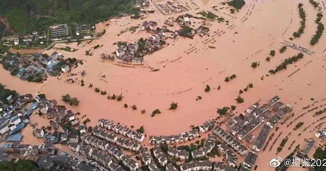 半片江山泡泥水! 千万人变灾民官方:24小时内还有「超警洪水」
