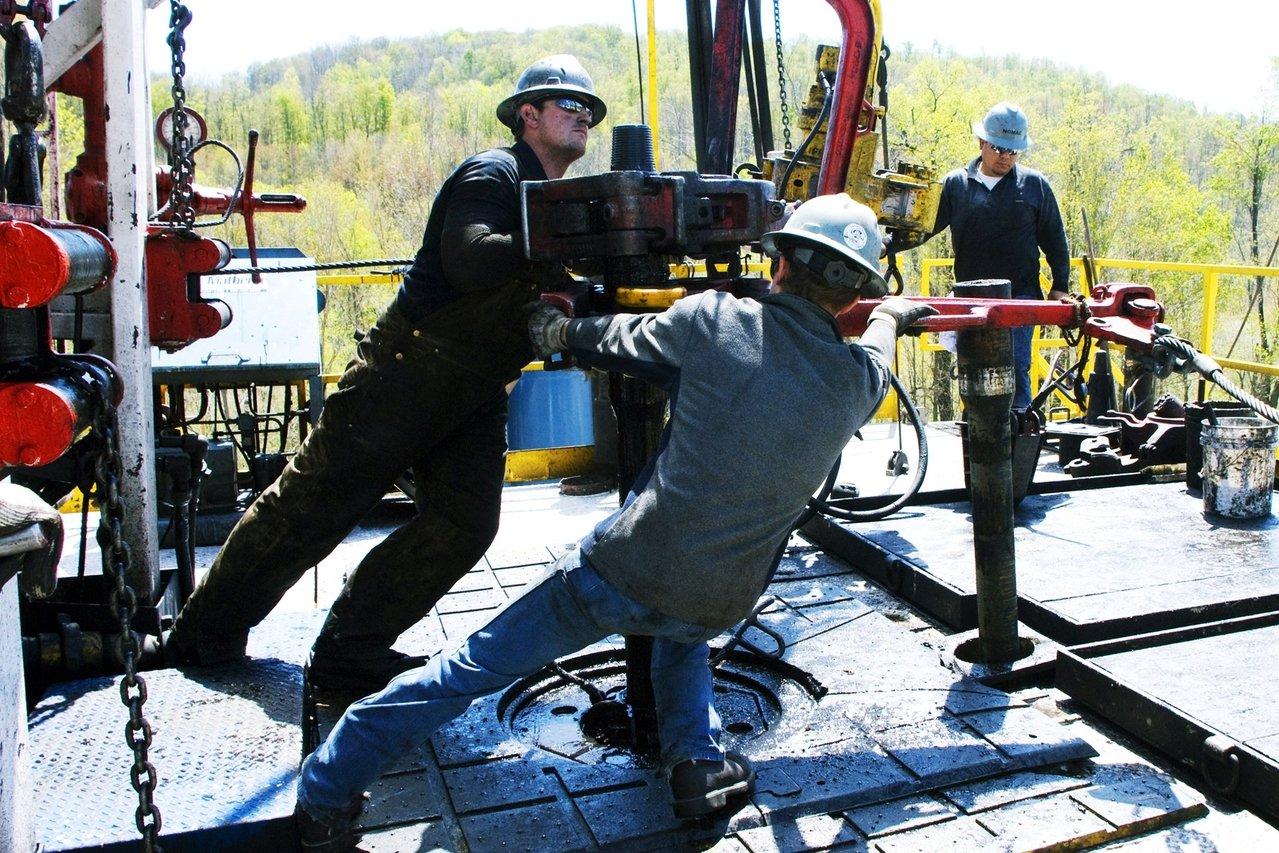 美国页岩油巨头破产 敲响200家石油公司丧钟?