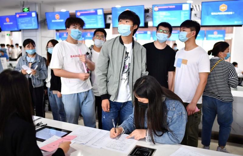 文革下鄉複活? 中國政府鼓勵大學生