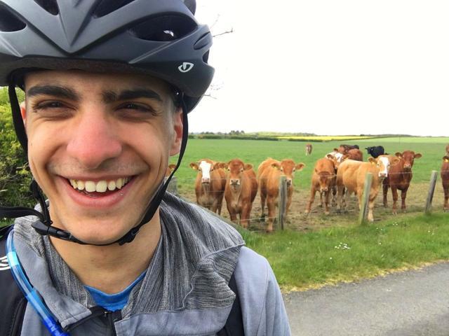 航班取消!希腊男子狂踩自行车48天横跨5个国家回故乡