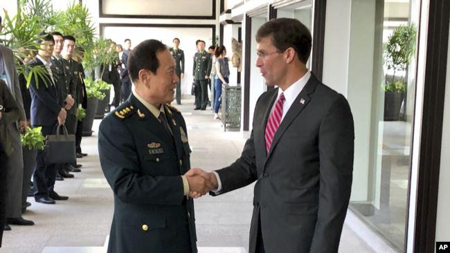 美国防长: 必须对中国行为做最坏打算