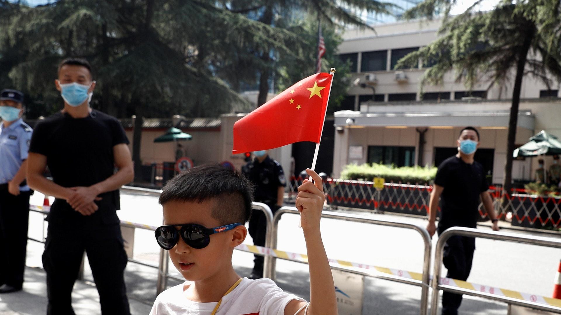 美国驻成都总领馆外交官 传30天内须离开中国