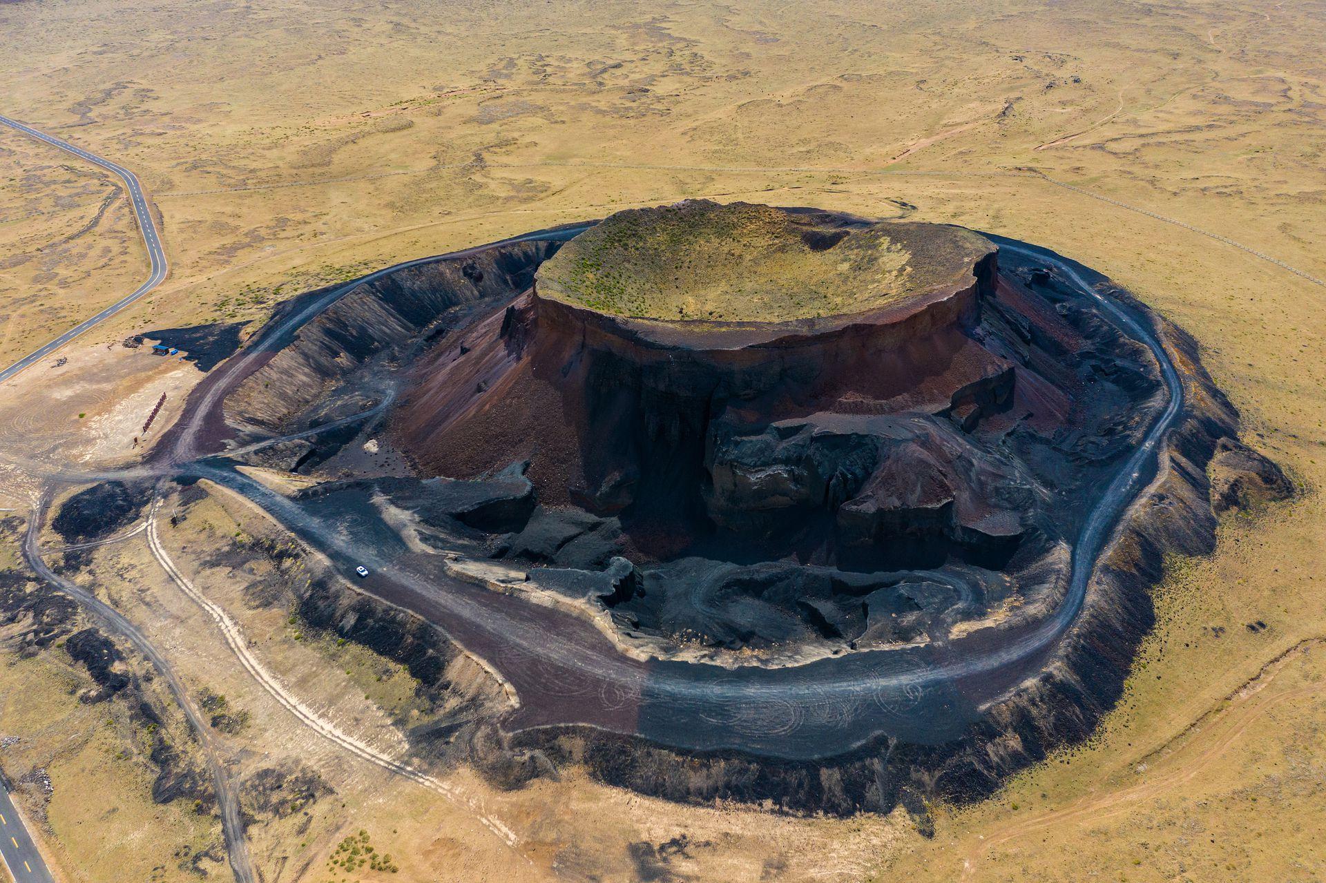 """离北京最近的火山群 已成地球""""伤疤"""""""