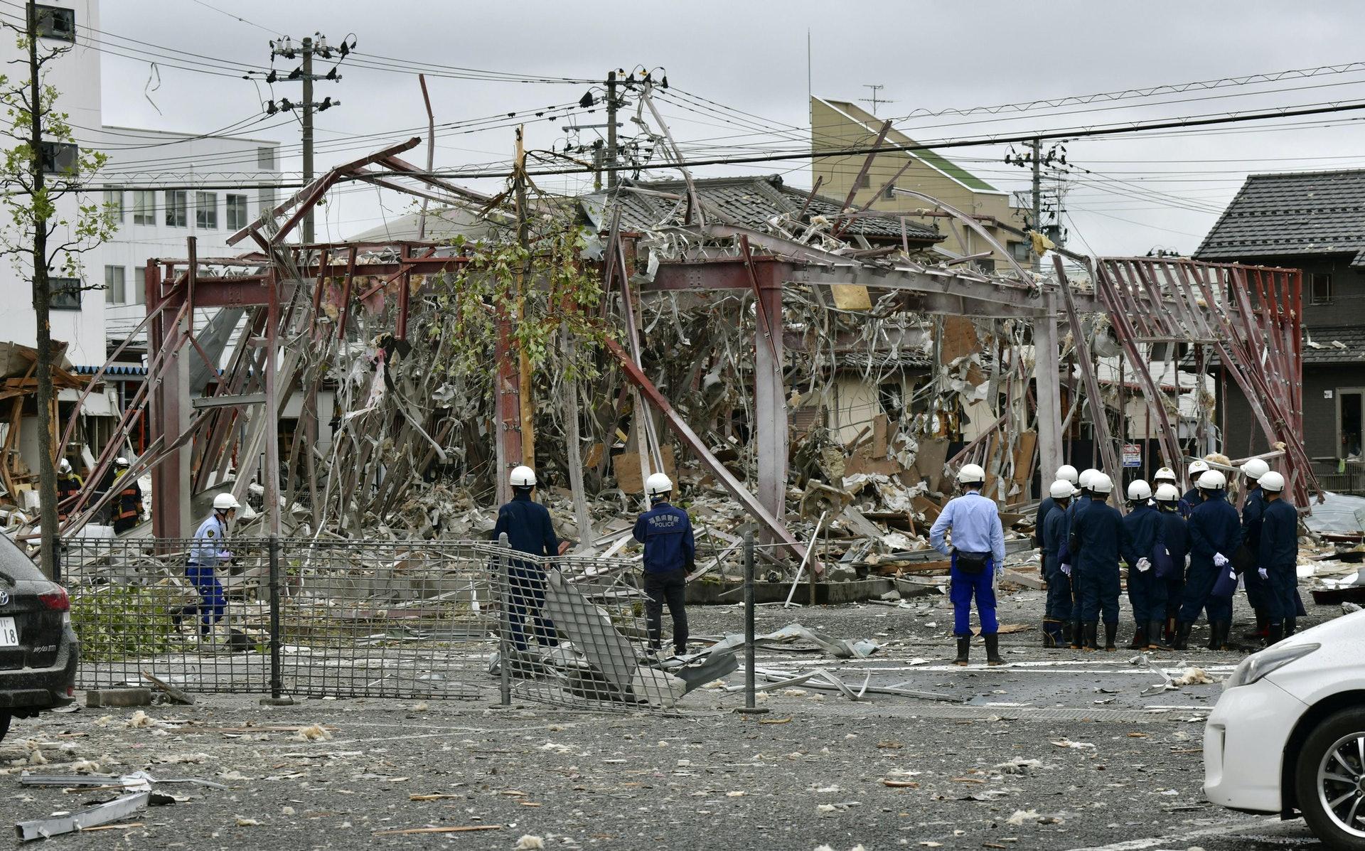 福岛突发剧烈爆炸 现场只剩碎片 亲历者 : 以为雷劈