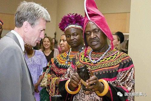 非洲男子娶100位妻子生500个娃,72位是爸爸的妃子