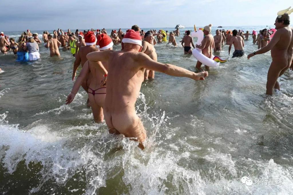裸体村瘟疫大爆发:病毒阻止不了人类对裸奔的渴望