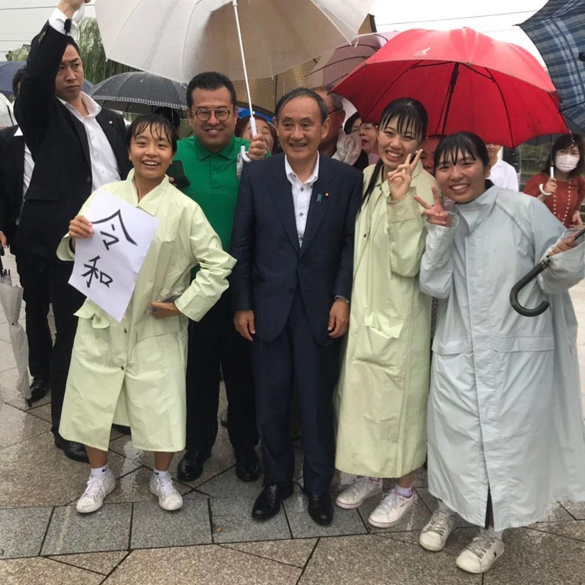 新任首相菅义伟:木讷大叔农家子之逆袭 胜在够贴地