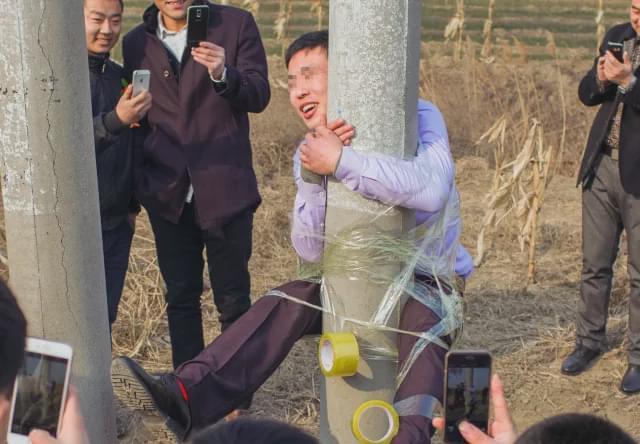 1000块钱租伴娘服务,婚礼上可以随便摸!