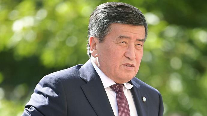 """吉尔吉斯斯坦总统""""下落不明"""" 政府决定关闭边境"""