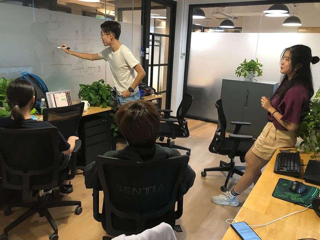 被绑在美国网课上的中国留学生 何时能再出国?