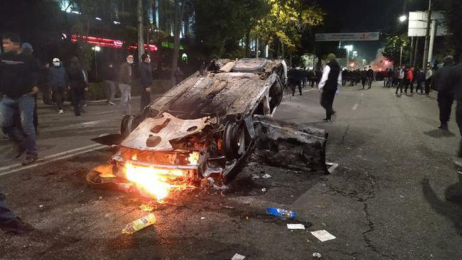 吉尔吉斯斯坦前总统遭暗杀未遂 汽车遭实弹枪击