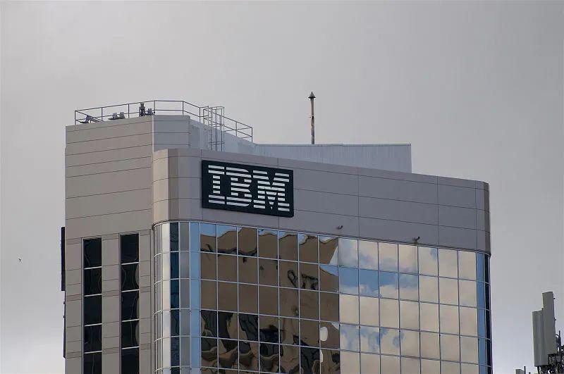 「百年老店」IBM拆分:店越来越小,路越走越难