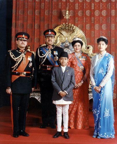 王室灭门惨案震惊世界!王储为真爱枪杀父母屠全家