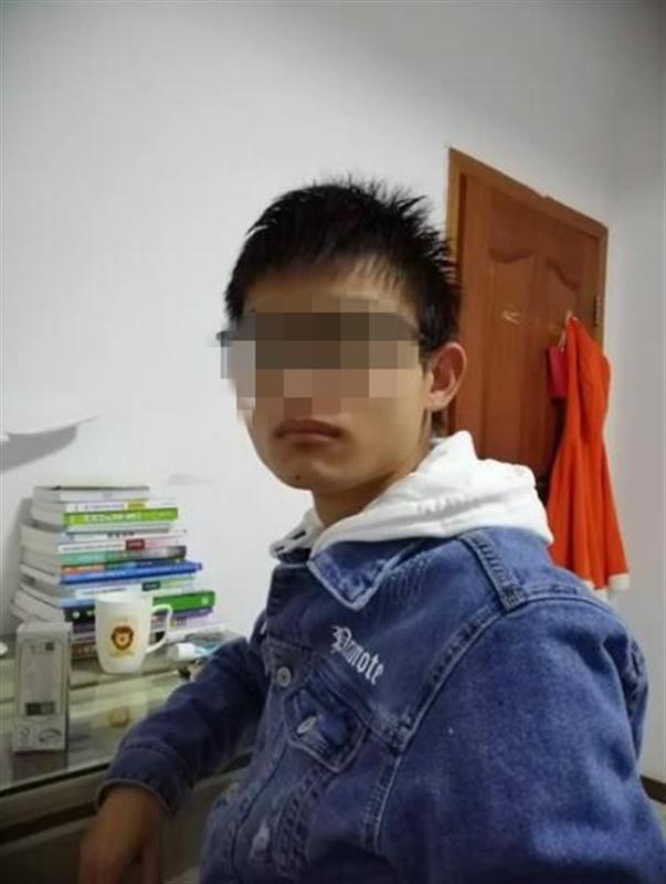 江苏大学一学生校内坠楼身亡 手机备忘录留下两条信息