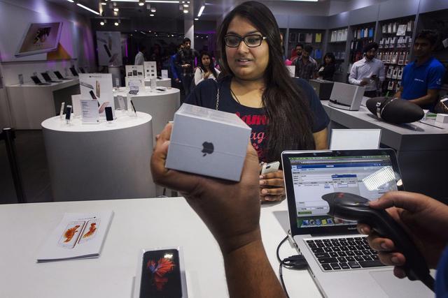 苹果转移印度提速,业内称要替代中国暂时没可能