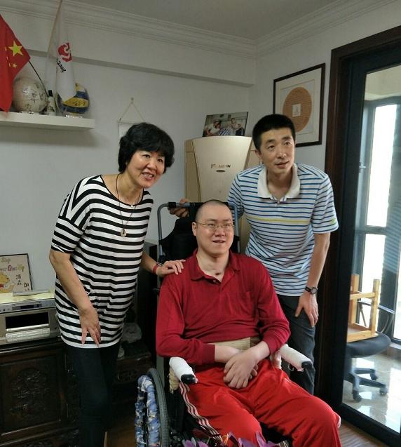 郎平再探汤淼 连续14年未中断 这次还带了丈夫和女儿
