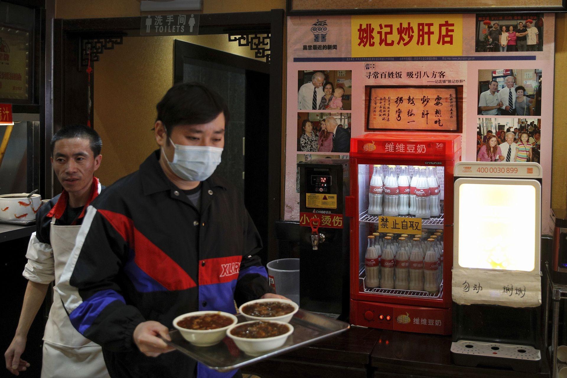 """拜登胜选 北京这家卖""""炒肝""""的小吃店一下火了"""