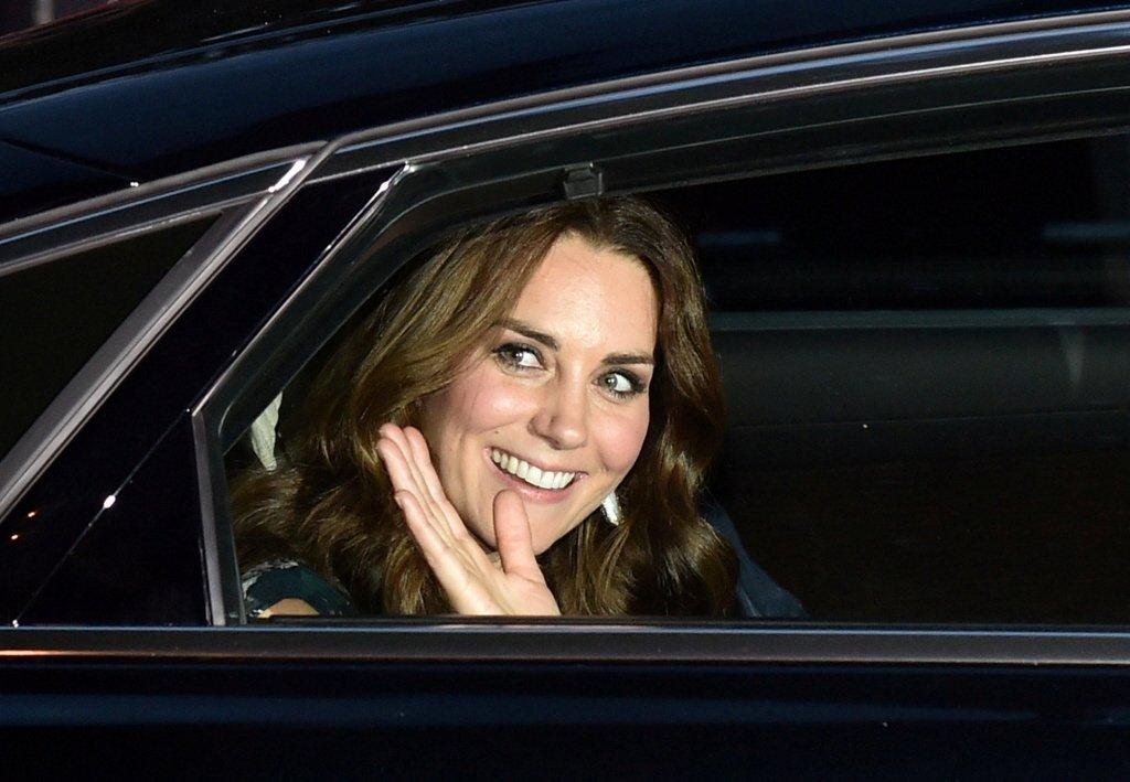 凯特本不爱威廉王子!让她黯然神伤的初恋竟是哈利