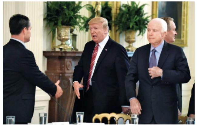 川普连任的成败得失:麦凯恩幽灵的复仇