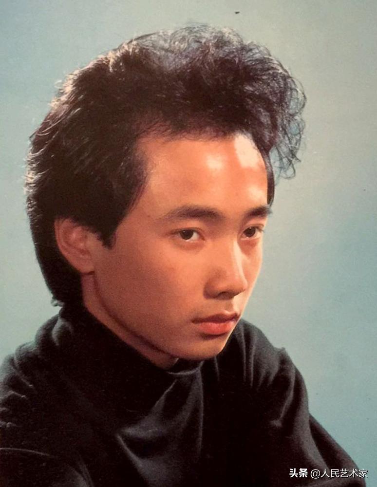 在争议中走过的徐峥,18岁因脱发受嘲笑,28岁被猪八戒困扰