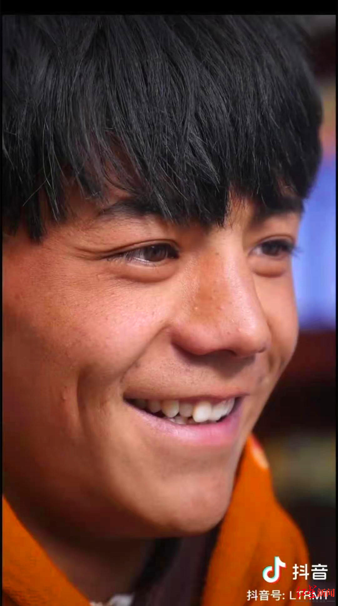 """""""有五险一金,每月3500元"""" 红遍全网的藏族小伙丁真签约国企"""