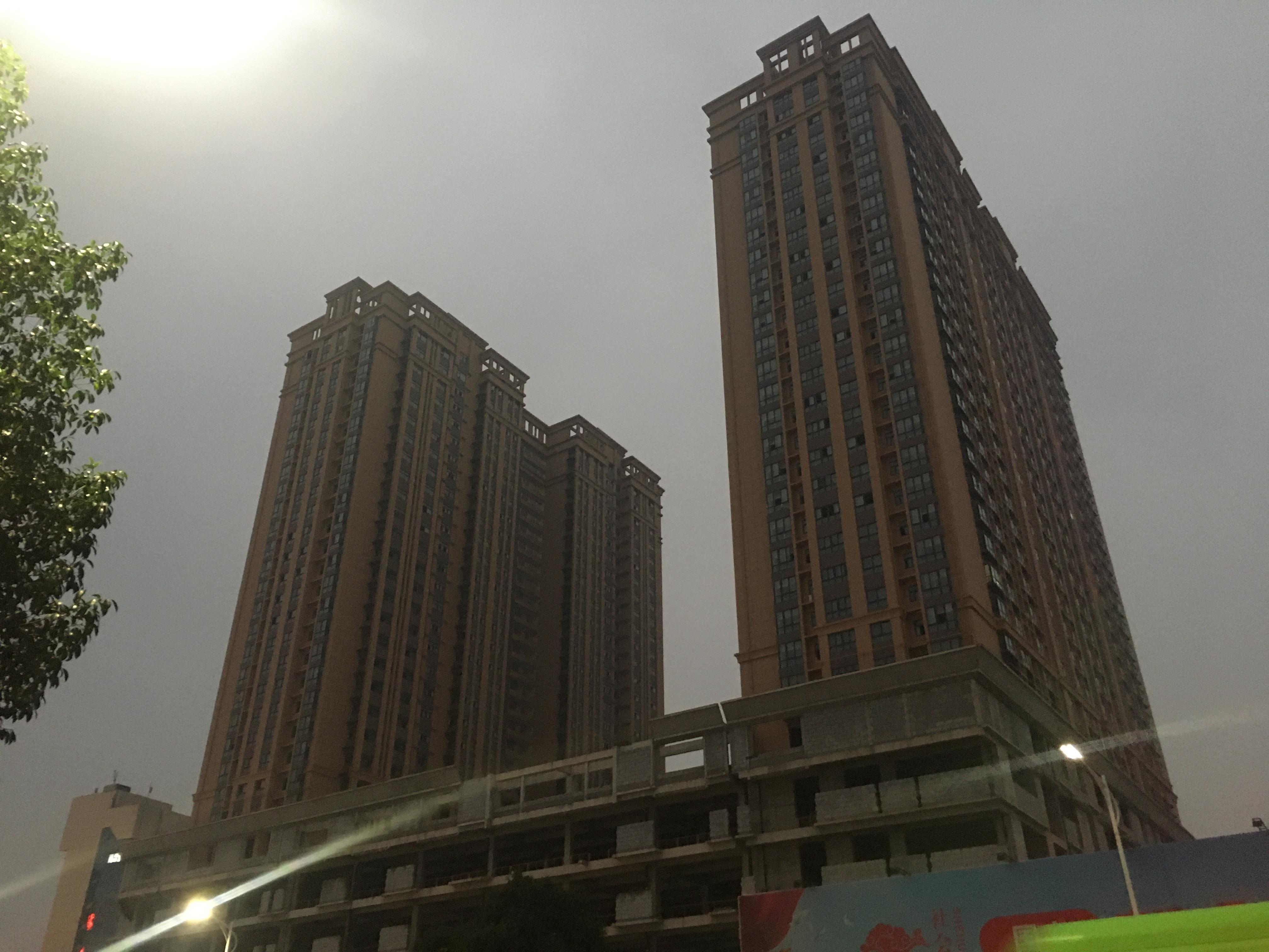 南阳烂尾楼自救漩涡:业主自筹7600万 建成后开发商要涨价