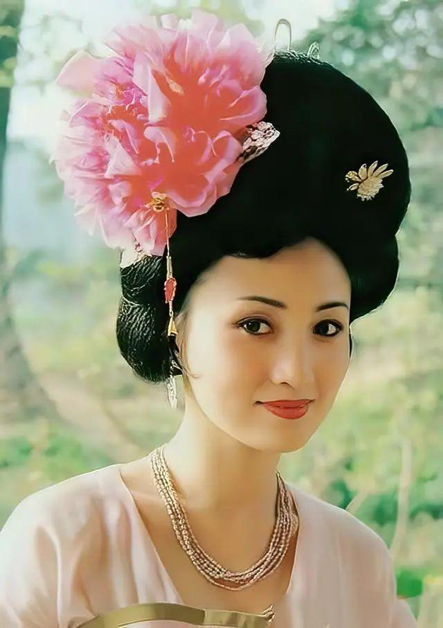 佟丽娅演西施被群嘲 看完照片才知道第一美人是她