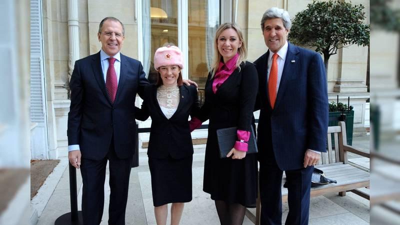 拜登新白宫新闻秘书:曾戴镰刀斧头五星帽惹议