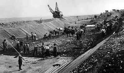 在2万吨化学废品上生活20年,他们怪病缠身后代畸形...