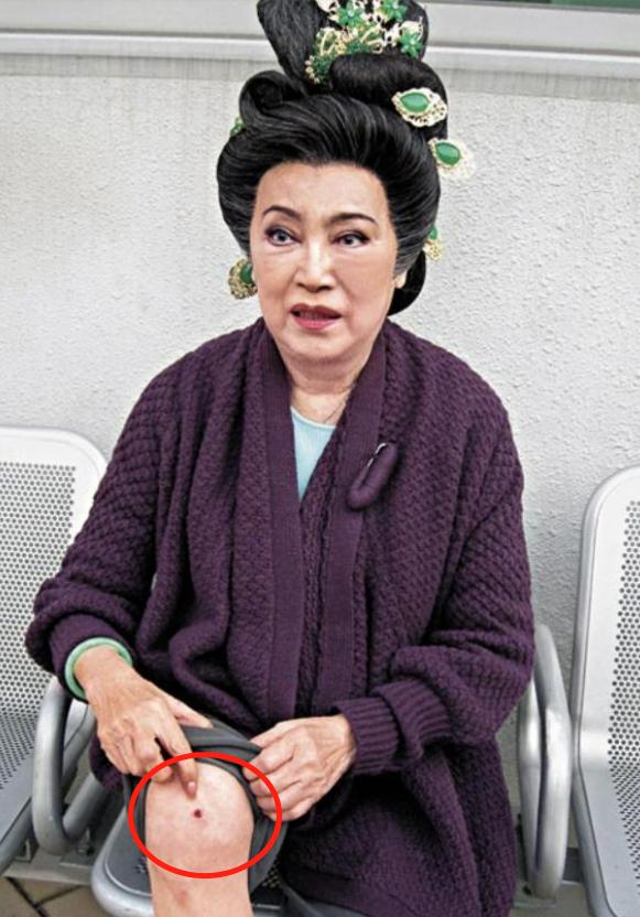 """""""一代奸妃""""李香琴家中病逝,享年90岁!脑退化8年靠轮椅出行"""