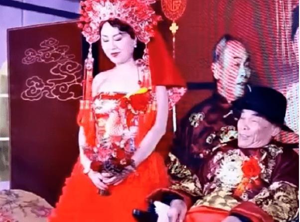 80岁老中医迎娶42岁新娘 婚礼策划:他们很恩爱