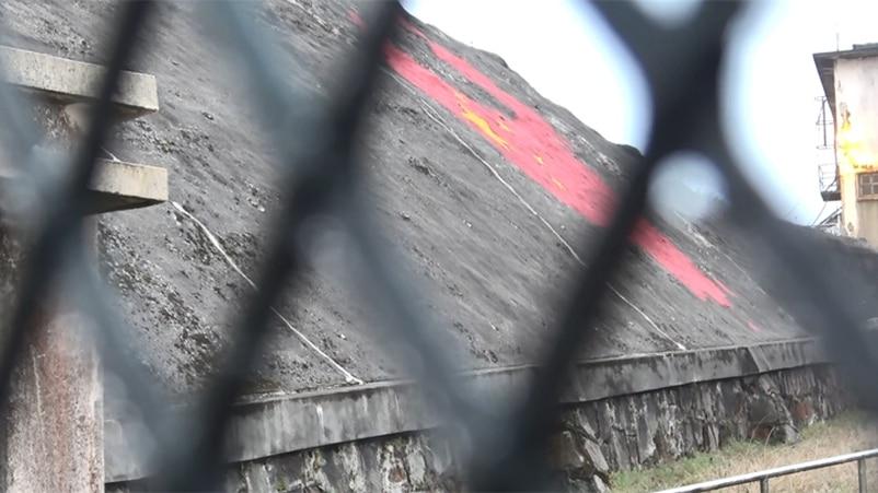 """""""听党话 跟党走""""标语惊现香港 记者实地探访(视频)"""