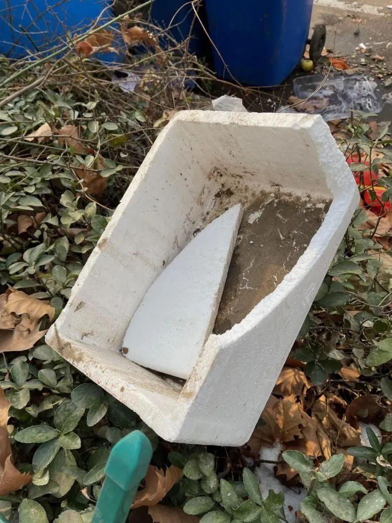 """时代的一粒沙:""""那个扫垃圾的""""在新年举办葬礼"""