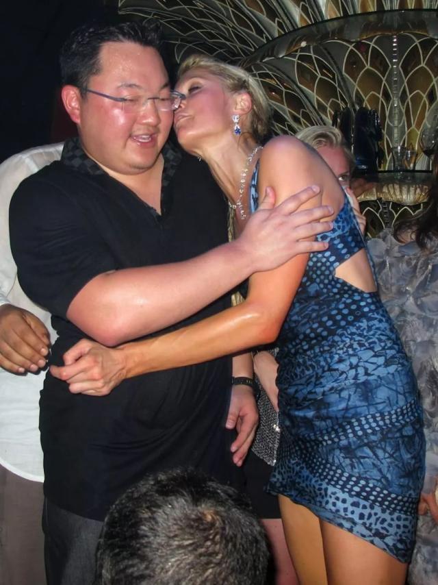 泡遍全世界女星,他差点骗婚萧亚轩?
