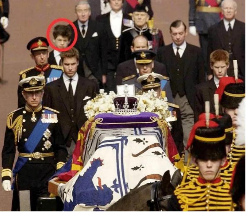 34岁王室在古堡性侵女宾?女王的脸快被亲戚们丢尽了…