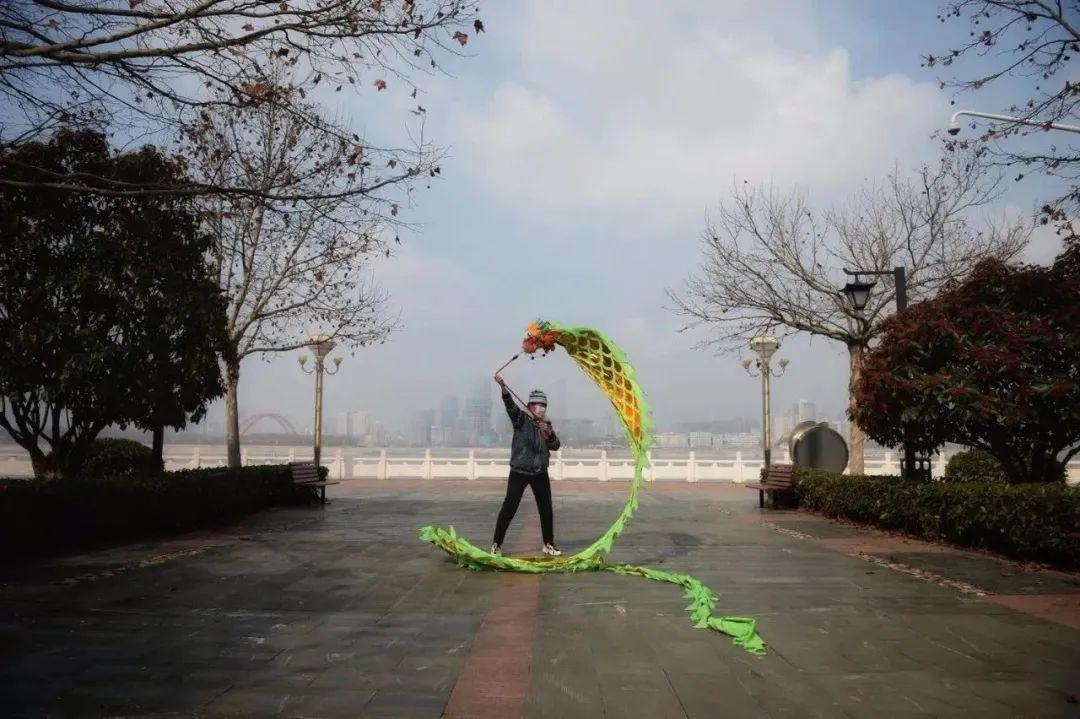 那年,武汉的春节:100张照片背后的惨痛